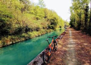 Lungo il Canale Cavour